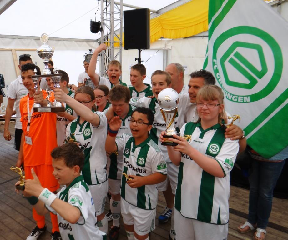 MartiniBusiness versus Kids United (voetbal) Meet and Greet FC Groningen